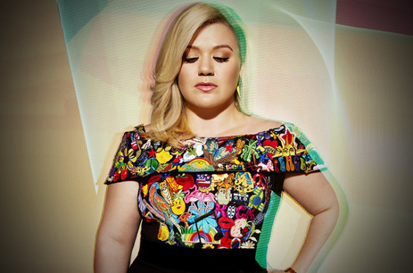 kelly-clarkson-press-2015
